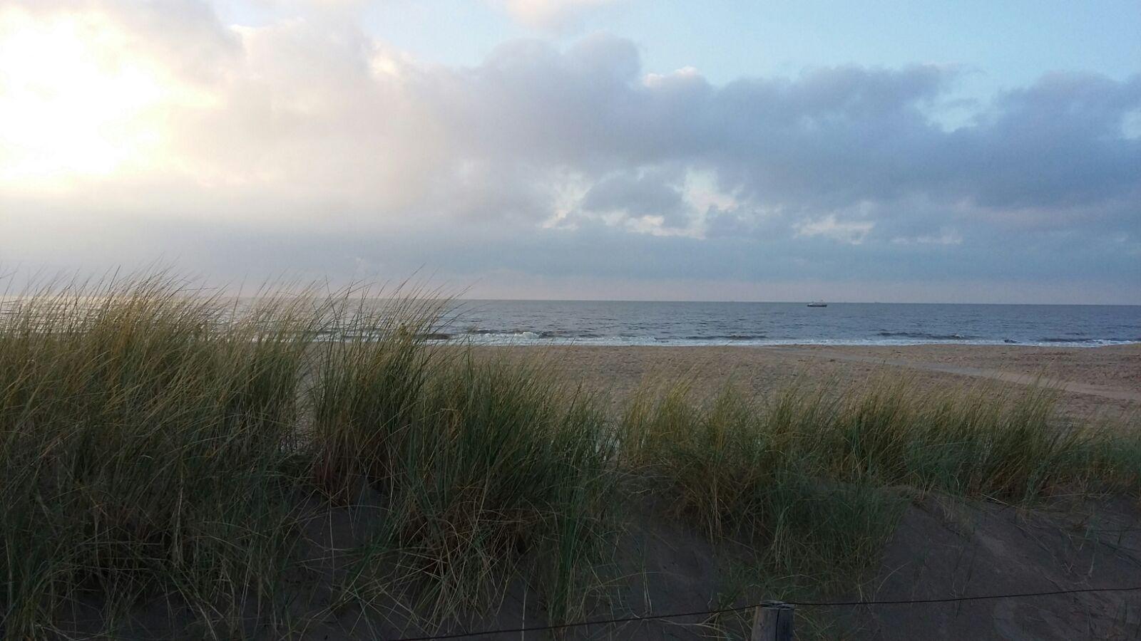Sand, Meer, Wolken und Sonne. Mehr Urlaub geht kaum auf ein Bild.
