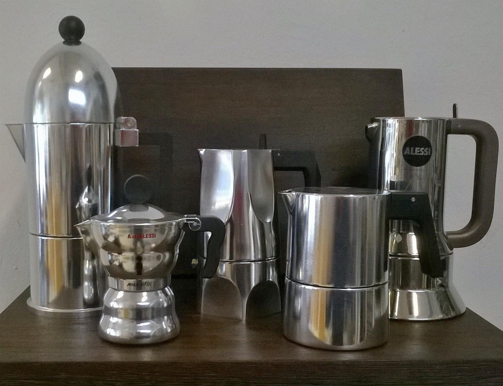 Espressokanne, Moka, Caffettiera. Bezeichnungen gibt es viele, Qualitäten auch. Die Modelle von Alessi sind nicht nur schön, sondern auch technisch vom Feinsten.