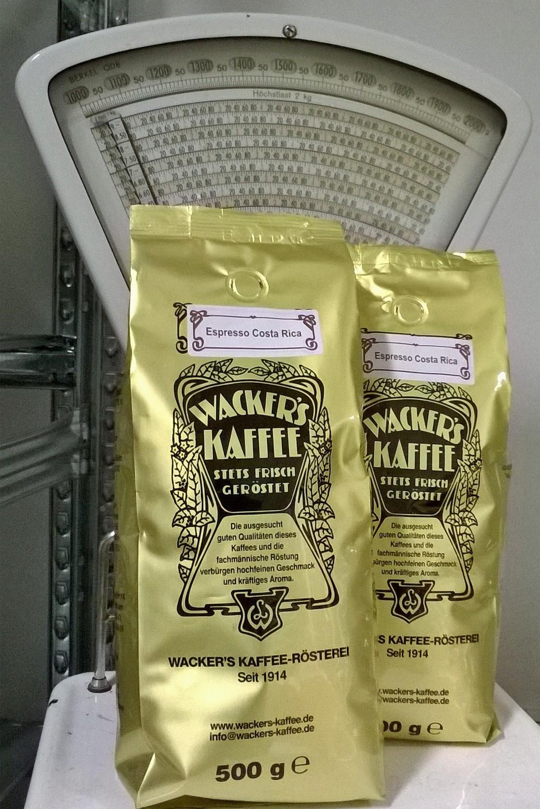 Typische Verpackung, noch typischerer Geschmack: Wacker's Kaffee aus Frankfurt am Main.